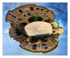 Plante Monells (Olivier Faugeras) Tags: panorama spain pentax planet catalunya espagne 360 catalogne monells littleplanet