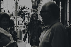 (Ivana Murace) Tags: city blackandwhite bw ngc bn biancoenero glances peo sguardi ivysglances