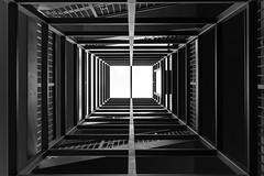 4054 (.niraw) Tags: kln treppe severinsbrcke bw niraw symmetrie symmetry rheinauhafen licht linien