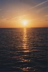 les Maldives028 (MUMU.09) Tags: sunset sky cloud sun sol del photo do tramonto nuvola foto himmel wolke cu cielo bild sole nuvem  puesta sonne    nube   imagem  pr      niebo chmura  zachdsoca