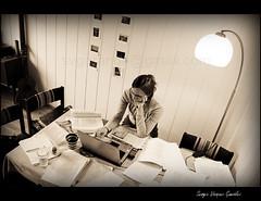 Concentracin (svgorange) Tags: bw woman black blanco girl concentration donna mujer university noir chica classroom femme universit negro universit estudio bn study papers universidad target universitet frau ziel jente fille nero schwarz learn mdchen aula classe ragazza cible decorated concentracion papeles hochschule klassenzimmer svart aprender tudier papiers obiettivo documenti lernen estudiar kvinne studieren konsentrasjon decorado ml konzentration studiare papiere concentrazione papirer lre studere verziert imparare decorato apprendre klasserom dcor dekorert