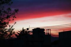 Mis tardes sin ti. (Isabel de la Cruz Abrn) Tags: winter sunset cold canon atardecer eos rebel cool rojo invierno naranja morado t2i rojomoradonaranjacontraluz