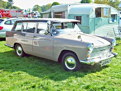 44 Austin A60 Estate (1968) (robertknight16) Tags: austin british 1960s bmc 194570