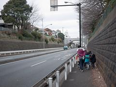 to the bridge (kasa51) Tags: street city people japan lumix cityscape child walk panasonic yokohama pancake 20mm  f17 gf1