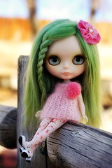 Look into my eyes (Voodoolady ) Tags: green alpaca angel lily mary blythe custom janes momoko reroot itsashershething pompomdres