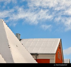 over snow-covered home-roofs (H. Eisenreich Foto) Tags: old blue schnee roof