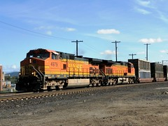 Trash Train with BNSF 4979 in charge... (Slider Jake) Tags: trash spokane ge bnsf trashtrain c449w 4979 bnsf4979
