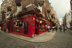 Temple Bar (www.andreaalbertino.com) Tags: ocean longexposure ireland blackandwhite music dublin irish green galway nature colors lines portraits canon golf trinitycollege sigma wideangle belfast kerry connemara shore cliffsofmoher stpatrick 1020 70200 kylemoreabbey sligo 2011 50d lasndscape aaranisland andreaalbertino wwwandreaalbertinocom