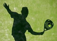 Stop volley shadow (Juampiter) Tags: padel