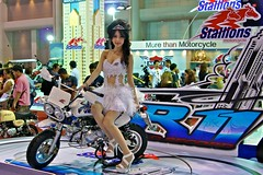 Model with Stallions mini motorbike at the 32nd Bangkok Motorshow (UweBKK ( 77 on )) Tags: show cars car thailand model asia bangkok sony models motorbike thong impact motor accessories motorcylce southeast alpha dslr stallions thani challenger motorshow 32nd 550 muang mueang