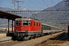 Cadenazzo Call (Don Gatehouse) Tags: schweiz switzerland ticino suisse sbb svizzera ffs cff re44 eisenbahnen 11154 interregio cadenazzo zurcihb locanco