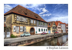 Wissembourg (Stephan Larsson Photography) Tags: blue sky white france yellow river town canal high nikon frankreich pretty village dynamic fiat citroën renault ii alsace 2cv range stephan 18200 hdr vr elsass larsson frankrike wissembourg d90 quainte