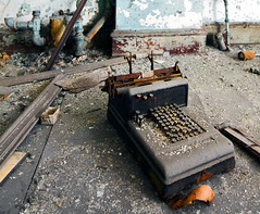 burroughs adding machine (Jonathon Much) Tags: city urban usa abandoned industry broken rotting canon vintage concrete rust paint industrial technology shadows antique decay pastel urbandecay debris pipes stlouis machine rusty dirty depthoffield crack textures indoors numbers forgotten urbanexploration american missouri rusted slowshutter oxidation damage calculator workstation rusting mold rotten discarded peelingpaint decomposition exploration aging distressed remains functional crusty wrecked cracked decayed decaying crumbling cracking crumbled urbex repeating crusted arcadebuilding canon7d burroughsaddingmachine