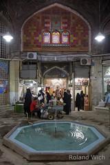 Isfahan - Bazaar (Rolandito.) Tags: iran market souk bazaar esfahan souq bazar isfahan