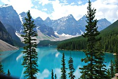 Moraine Lake (Liz Boggs) Tags: lake canada mountains landscape alberta morainelake