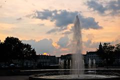 DSCF1795 (kuzdra) Tags: city sunset sky france fountain ciel fontaine  jetdeau angers   couchedesoleil
