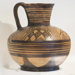 East Greek oinochoe in the Sinopoli Collection, 2 (diffendale) Tags: italy rome ceramica roma museum ceramic greek ancient italia museu display antique vessel exhibit muse pot greece grecia jug vase pottery museo artifact pitcher archaeological griechenland antico grce waterbirds  cramique greco archaic keramik grecque yunanistan mze archeologico fictile  seramik  arcaica oinochoe mlekilik   orientalizzante    fittile   orientalizing eastgreek 7thcbce grecoorientale  650sbce 660sbce museoaristaios 2ndquarter7thcbce 1sthalf7thcbce uccelliaquatici
