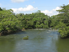 Melchor de Mencos: Mopan River (zug55) Tags: guatemala belize border centralamerica mopanriver belice americacentral britishhonduras melchordemencos