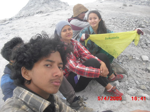"Pengembaraan Sakuntala ank 26 Merbabu & Merapi 2014 • <a style=""font-size:0.8em;"" href=""http://www.flickr.com/photos/24767572@N00/27163232255/"" target=""_blank"">View on Flickr</a>"
