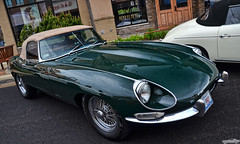 Jaguar E Type (Chad Horwedel) Tags: green classic car illinois jag jaguar etype bolingbrook jaguaretype supercarsaturday promenademall