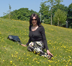 Buttercups (Starrynowhere) Tags: outside outdoors crossdressing tgirl transgender tranny transvestite crossdresser transvestism crossdressed palazzos starrynowhere emmaballantyne