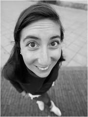 Covadonga y un 12mm (Troylo@stur) Tags: bw byn blancoynegro blackwhite fuji chica 12mm angular