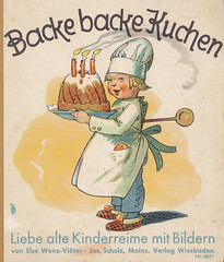 Backe backe Kuchen (micky the pixel) Tags: cake buch book baker childrensbook livre kuchen bäcker kinderbuch bilderbuch backebackekuchen kinderreime elseviëtor