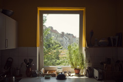 Guten morgen Berlin! (Alberto Sen (www.albertosen.es)) Tags: morning light sun berlin luz sol maana window kitchen germany ventana nikon day dia cocina alberto alemania kche sen albertorg albertosen