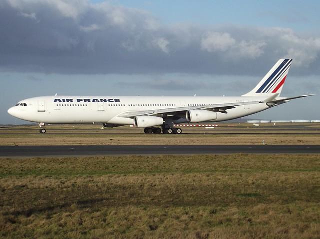 F-GLZI, A340-311, C/N 84, AIR FRANCE, CDG/LFPG, 01/2012