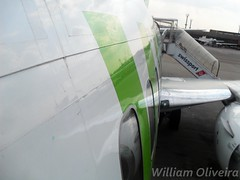 PR-WJA (William Oliveira.) Tags: brazil beautiful linhas brasil plane airplane fly flying flickr photographer interior aircraft aviation wing young picture plan dia cielo boeing paulo avio aviao flugzeug avin brasileiro so aereo brasile tarde avion area aviao voar brsil guarulhos gru  b737 aviacin flug aviacion  luftfahrt areas aereas   aviaao aviacao youngphotographers 737300 aeronave economicas laviation  luftfart webjet  sbgr dzlem prwja  aviaco   wc