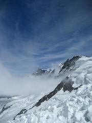Obers Ischmeer - Oberes Eismeer ( Gletscher - Glacier => Teil des Grindelwald - Fieschergletscher ) mit Seracs und Gletscherspalten - Spalten in den Alpen - Alps im Berner Oberland im Kanton Bern in der Schweiz (chrchr_75) Tags: hurni christoph schweiz suisse switzerland svizzera suissa swiss chrchr chrchr75 chrigu chriguhurni 0706 juni 2007 hurni070623 bumgletscherglacier gletscher glacier jäätikkövaellus παγετώνασ 氷河 glaciar eis ice wasser water natur nature berge mountains alpen alps landschaft landscape schnee snow neige albumgletscherglacier glaĉero liustik jäätikkö oighearshruth ghiacciaio gletsjer lodowiec geleira glaciär obers ischmeer oberes eismeer grindelwald fieschergletscher kantonbern berner oberland albumgletscherimkantonbern