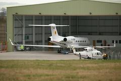 G-JCBB Grumman Gulfstream V-SP 550 msn:5186 & G-JCBJ Sikorsky S.76C msn:76-0502 (DC-7C) Tags: plane airplane corporate chopper jcb leicestershire aircraft jet aeroplane business helicopter gulfstream 76 sikorsky s76 grumman 502 bizjet eastmidlands castledonington g550 5186 gvsp egnx gjcbj sk76 760502