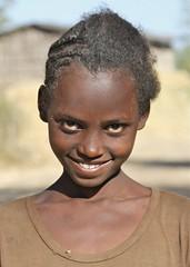Ethiopian Girl (**El-Len**) Tags: africa portrait girl smile ethiopia eastafrica fav10 fav25 thegalleryoffinephotography andromeda50 mygearandme mygearandmepremium mygearandmebronze