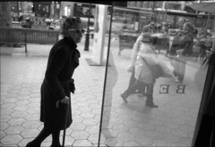 (sinetsin) Tags: barcelona sf street leica photography kodak xx 11 d76 400 ek pushed eastman m2 asph solution rf 35f2 rangefinders doublex 5222 summicronm sinetsin
