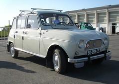 Renault 4 blanche (gueguette80 ... Définitivement non voyant) Tags: old cars renault autos 4l avril r4 2012 picardie abbeville somme anciennes françaises