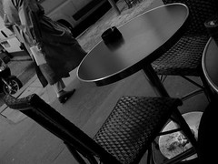 (Pierre-Guy) Tags: street white black paris france caf canon table chair noir terrasse rue et blanc chaise vie