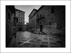 Viejos lugares, nuevas costumbres /Old places, new customs (tmuriel67) Tags: ciudad urbana urbanlife urbanphotography urbanstyle