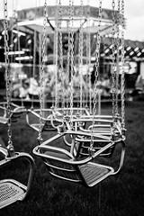 Vacant. (Originalni Digitalni) Tags: street city blackandwhite art rain canon photography amusement solitude raw walk empty vacant dslr grad vacancy lightroom etnja fotografija umjetnost 60d slavonskibrod originalnidigitalni tomislavlai