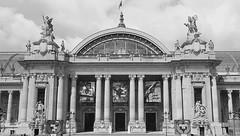 Une vue du centre de la faade du Grand Palais,  Paris. (Lejeune Grgory) Tags: paris france grandpalais
