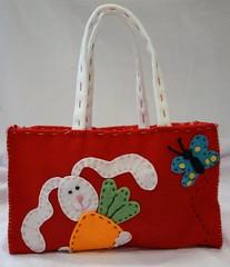 Sacolinha para Pscoa (Dona Bia) Tags: butterfly bag easter conejo felt pscoa borboleta carrots feltro bolsa coelho fitz cenoura sacola fieltro