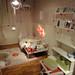 イケアの家具で作った姫系インテリアの部屋の写真
