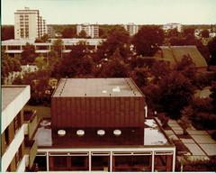Posthochhaus, Copp, Bauernhaus, Bücherei, EA-Häuser (totu010709) Tags: gymnasium bauernhaus bücherei wohnblöcke