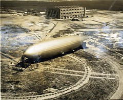 Zeppelin (San Diego Air & Space Museum Archives) Tags: aircraft aviation hangar zeppelin airship hindenburg dirigible lighterthanair luftschiff dzr airshiphangar dlz129 lz129 deutschezeppelinreederei dirigiblehangar luftschiffbauzeppelin deutscheluftschiffahrtsaktiengesellschaft delag zeppelinlz129 lz129hindenburg luftschifflz129