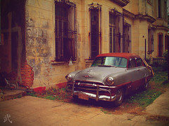 "Carro Cuba • <a style=""font-size:0.8em;"" href=""https://www.flickr.com/photos/76266883@N06/6835270894/"" target=""_blank"">View on Flickr</a>"