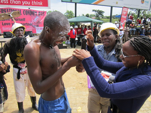 Sidleke drama group demonstrating condoms