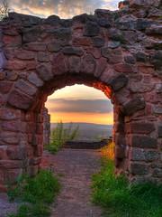 Homburg schloss (Rich3012) Tags: sunset castle germany deutschland ruins sonnenuntergang schloss hdr saar saarland homburg hohenburg