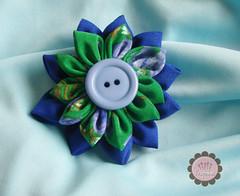 (Trapinhos_Vzla) Tags: flower broche flor tela prendedor kanzashi fabricpin