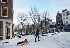 Hee Amsterdam, ze zeggen dat je bent veranderd (Bn) Tags: world city winter white snow cold holland ice church netherlands amsterdam weather bike bicycle kids scarf wonderful children geotagged fun topf50 warm downtown heart centre extreme capital skating nederland freezing canals gloves cap enjoy biking western sledding keep nostalgic biker anton temperature hook february sliding snowfall sled topf100 mokum playful slippery neighbourhood pleasure channel sleds amstel jordaan sneeuwpret knmi westertoren egelantiersgracht wintery westerkerk bloemgracht tweede 9c 100faves 50faves pieck egelantiersdwarsstraat personalgeography hilletjesbrug eerstebloemdwarsstraat