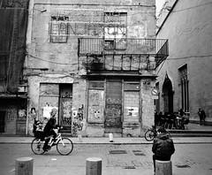 Crónica de un día gris (nemenfoto) Tags: valencia tristeza gris calle dia soledad cronica elcarmen soletat nemenfoto