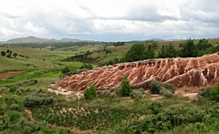 Red tsingy (David Darricau) Tags: africa sky ciel madagascar 2012 afrique lavaka